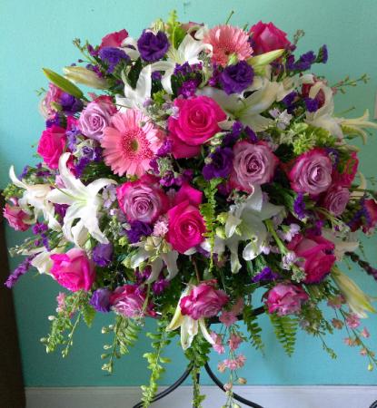 Simply Gorgeous Casket Flowers