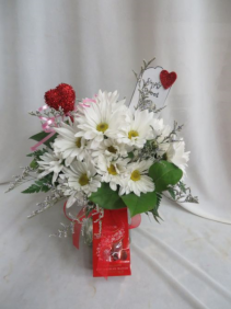 Simply Sweet 1 Vased Arrangement of Daisies and Filler