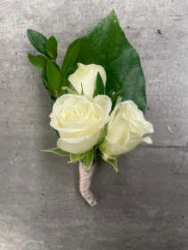 SIMPLY WHITE PROM BOUTONNIERE