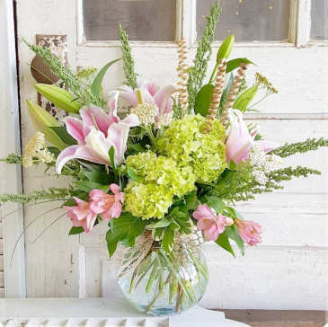 Sincerely Smitten Vase Arrangement
