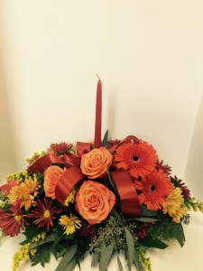 Single Candle Table Centerpiece  in Northport, NY | Hengstenberg's Florist