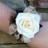 Single Classic Sweetheart Rose Wrist Corsage