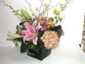 SIZZLING SURPRISE Vase of Flowers
