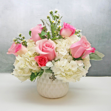 SMALL PINK & WHITE FLORAL IN WHITE CERAMIC VASE SMALL