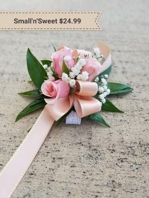 Small'n'Sweet corsage Wrist Corsage in Springfield, MO | FLOWERAMA #226