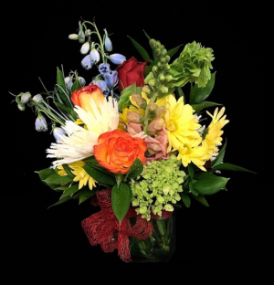 Smiles of Spring Mix Floral Spring Bouquet in Plainview, TX | Kan Del's Floral, Candles & Gifts
