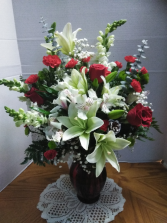 Snappy Vase Floral Arrangement