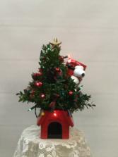 Snoopy Boxwood Cookie Jar