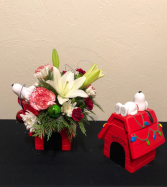 Snoopy's Christmas Holiday Keepsake Arrangement