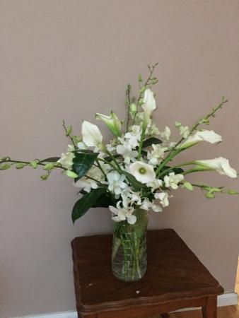snow queen white vase arrangment