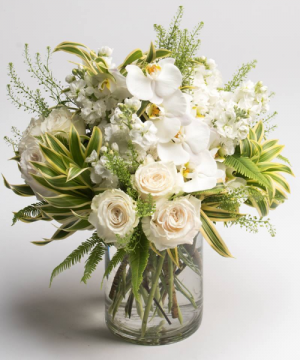Snow White   in Oakville, ON | ANN'S FLOWER BOUTIQUE-Wedding & Event Florist