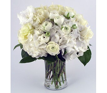 Snow White Beauty Vase Arrangement