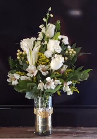 Snow white Vase arrangement