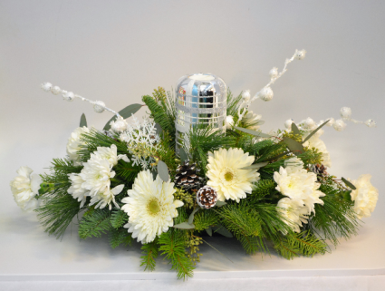 Snowflake Kisses Centerpiece