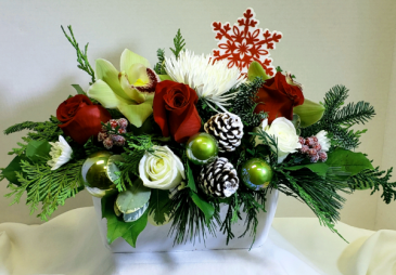 Snowflakes and Berries Christmas Arrangement