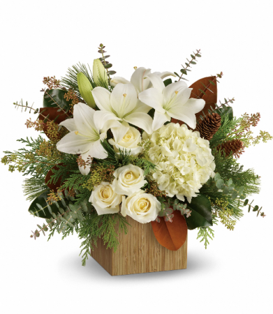 Snowy Woods Bouquet HWR142A