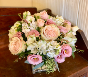 Soft Hearted vase in Pawling, NY | PARRINO'S FLORIST