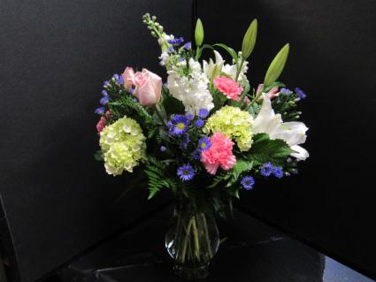 SOFTLY SPRING Fresh Upscale Flowers