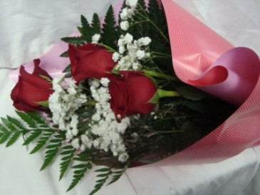 3 red roses wrapped in nice paper with babys breath and greens with 3 red roses wrapped in nice paper with babys breath and greens with watertubes can mightylinksfo