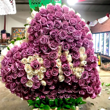 solid heart 10 dz roses