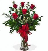 Special love bouquet 6 Roses w specialty greens
