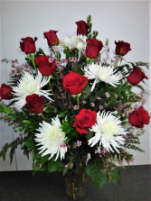 SPECIAL NO 3 RED ROSES WHITE SPIDER MUMS