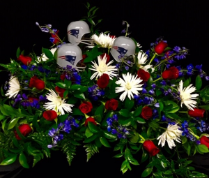 Speical Casket Spray New England Design in Plainview, TX | Kan Del's Floral, Candles & Gifts