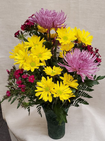 Spider Mums, Daisies & Dianthus Mixed Bouquet