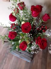 splash of roses doz roses with flillers