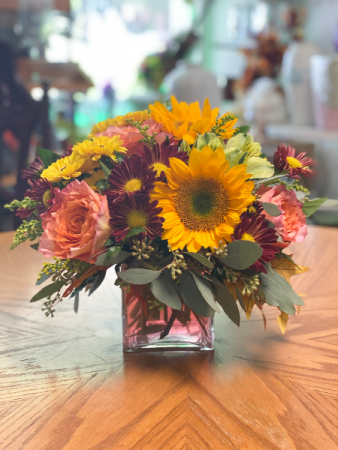 Splendid Fall Floral Arrangement