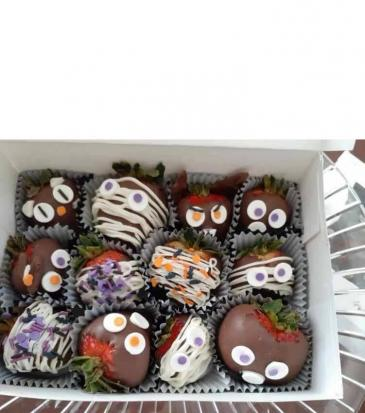 SpOOky Chocolate covered Strawberries Halloween