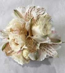 Spray rose & alstroemeria corsage