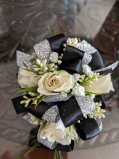 Spray Rose Corsage Wrist Corsage