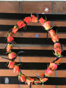 Spray Rose Lei- Orange  Graduation