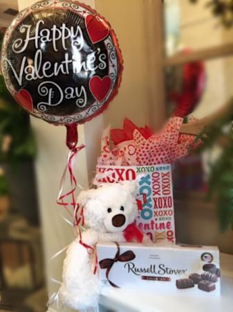Spread my love Bear, candy, balloon /various candy