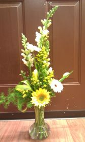 SPRING YELLOW VASE ARRANGEMENT