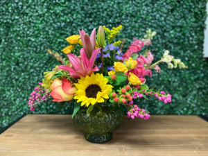 Spring Feeling Spring Mix in Nederland, TX | Sparkle and Co. Florist