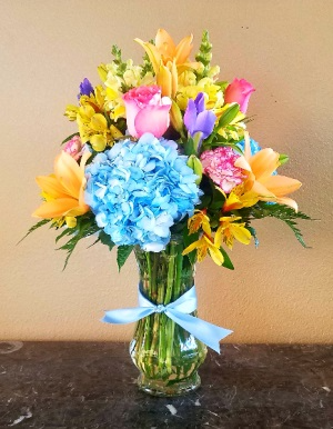 Spring Fling Home in Ventura, CA | Mom And Pop Flower Shop