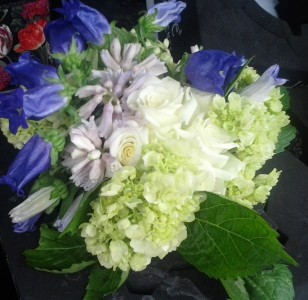 spring florals bouquet or centerpeice