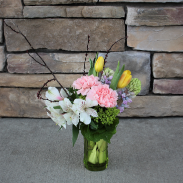 Spring Green Flower  Arrangement in Glass