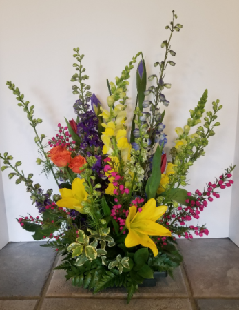Spring has Sprung! Fresh flower arrangement