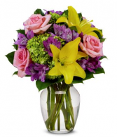 spring star vase arrangement