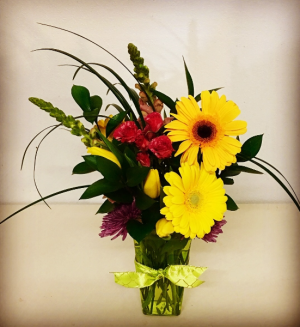 Spring Time Contemporary Mixed Floral Design in Plainview, TX | Kan Del's Floral, Candles & Gifts