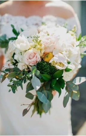 Spring fragrance bridal bouquet wedding flowers in Knoxville, TN | ALWAYS IN BLOOM LLC