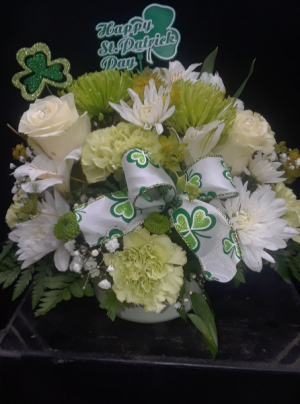 St Patrick's Day Centerpiece HOLIDAY ARRANGEMENT in Howard Beach, NY | HOWARD BEACH FLORIST