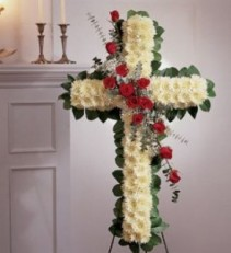 STANDING CROSS WHITE ROSES
