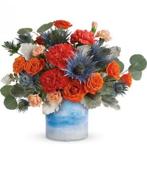 Standout Chic Bouquet All-Around Floral arrangement in Winnipeg, MB | KINGS FLORIST LTD