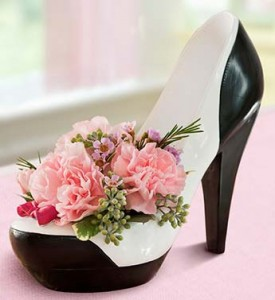 Stepping out fresh with keepsake high heel candleholder in Pocahontas, AR | Pocahontas Posey Patch INC.