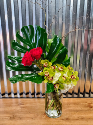 Sticks and Stones Roses in Chelmsford, MA | East Coast Florist