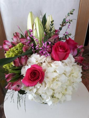 Straight to my heart Vase arrangement